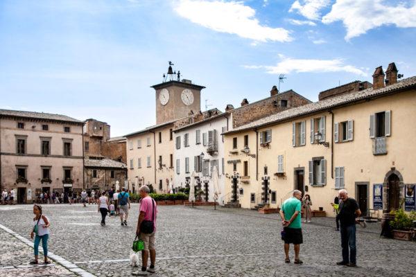 Piazza del Duomo di Ovieto con vista sulla Torre di Maurizio