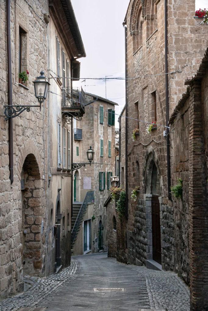 Vicoli medievali del centro storico di Orvieto