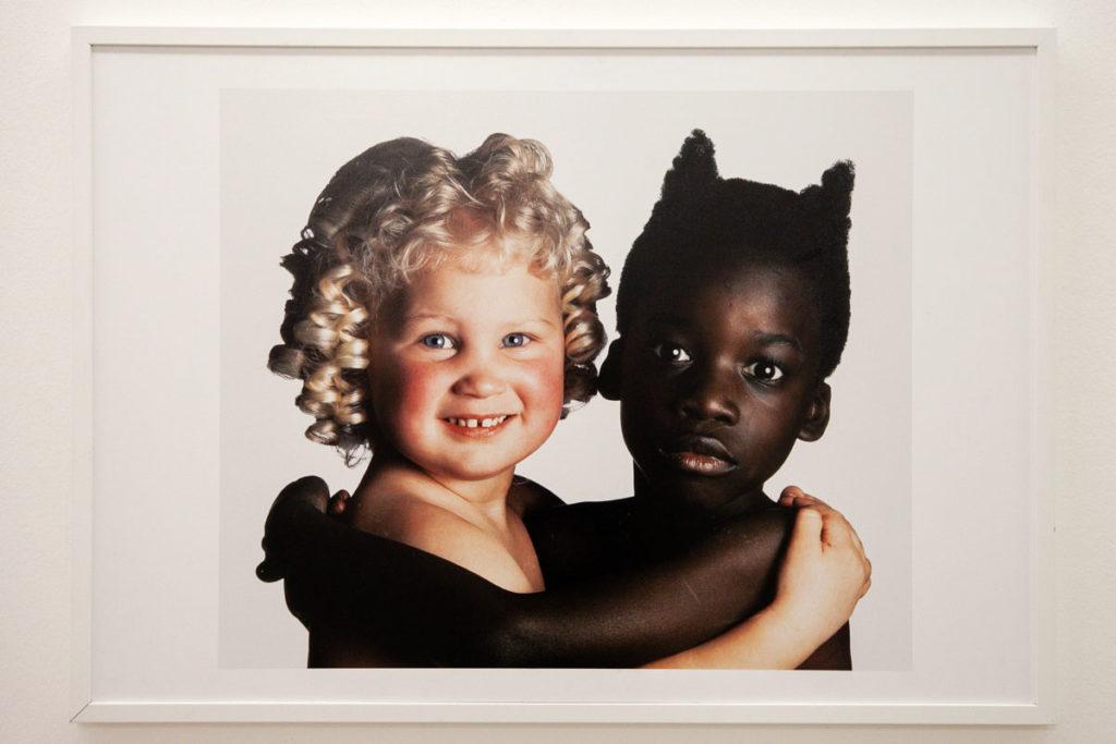 Angelo e diavolo - Fotografia di Oliviero Toscani contro il razzismo - 1992