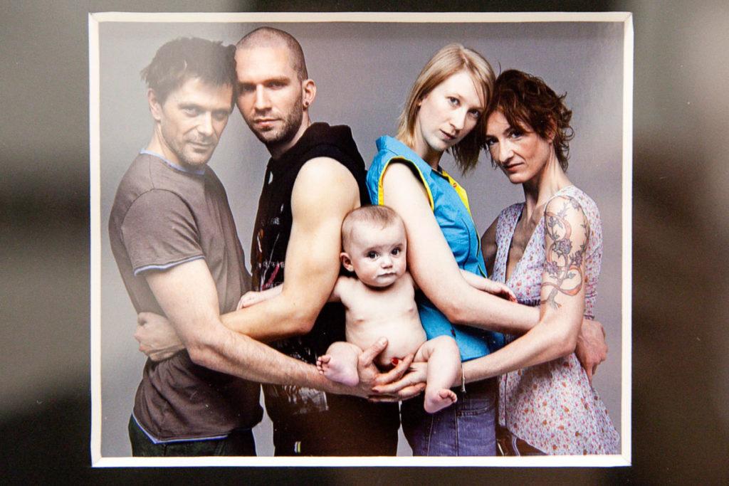 Campagna a favore delle coppie gay e delle adozioni gay - Oliviero Toscani al MAR di Ravenna - Famiglie Alternative del 2006