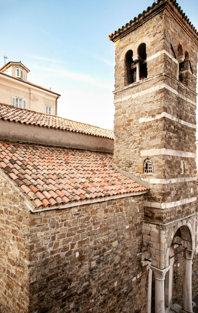 Campanile o torre di difesa della Basilica di San Silvestro