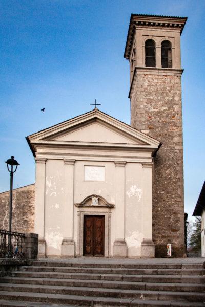 Chiesa di San Martino vicino al Belvedere sulla cittadina