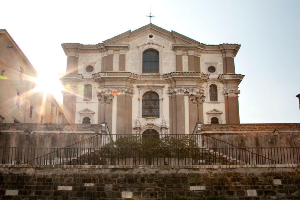 Chiesa di Santa Maria Maggiore a Trieste - Sulla Scalinata