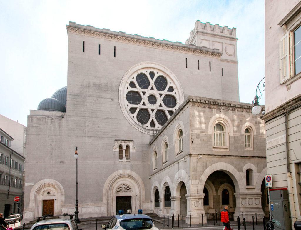 Enorme sinagoga ebraica di Trieste
