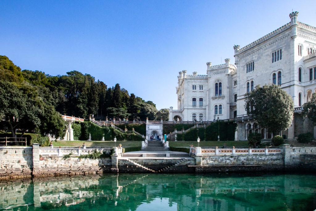 Il castello di Miramare costruito da Massimiliano d'Asburgo Lorena - Trieste
