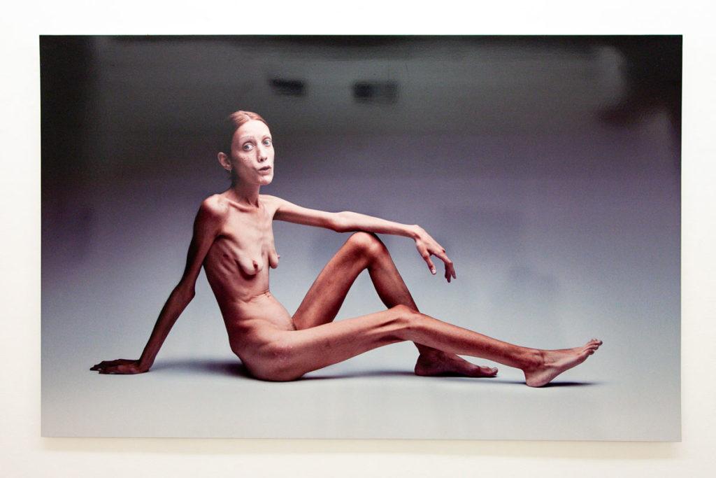 No-Anorexia del 2007 - Oliviero Toscani - Più di 50 anni di Magnifici Fallimenti al MAR di Ravenna