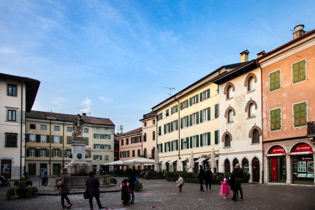 Piazza Paolo Diacono di Cividale del Friuli e casa di Paolo Diacono
