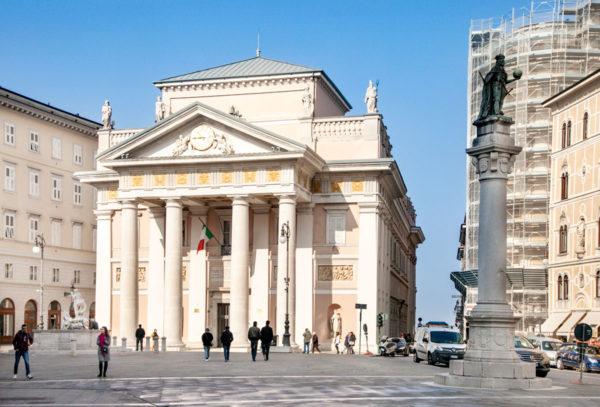 Piazza e Palazzo della Borsa di Trieste