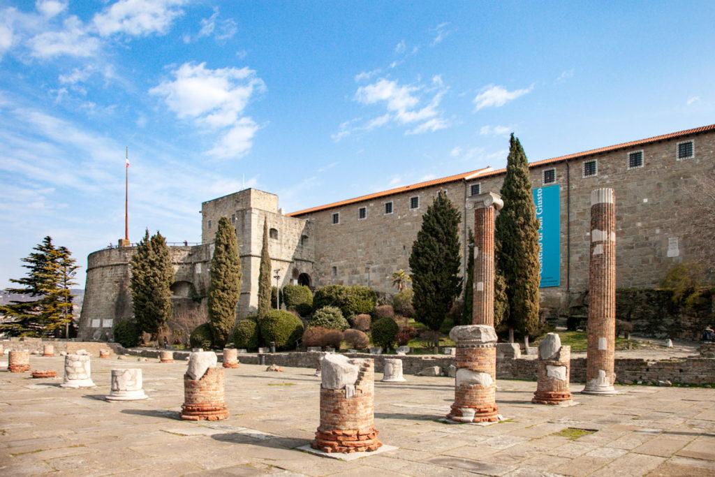 Resti della Basilica Forense Romana - Cosa vedere a Trieste