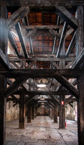 Sala delle Croci del lager nazista - Struttura in legno nuda