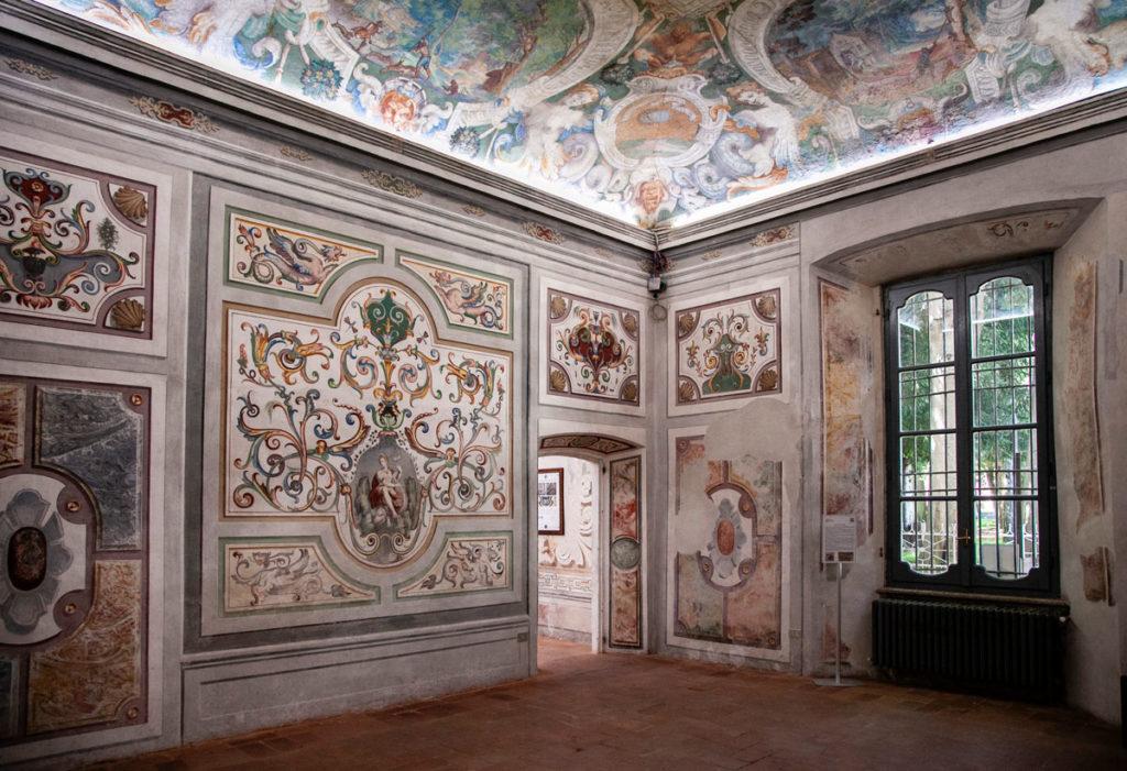 Affreschi della sala della Fortezza - Palazzo cinquecentesco