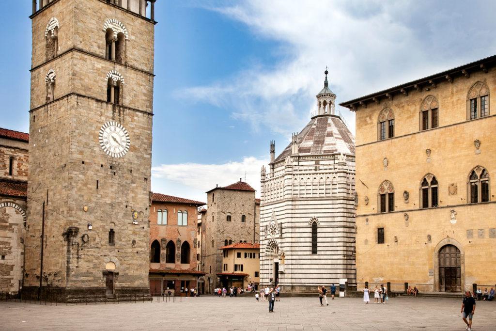 Battistero di San Giovanni in Corte e Palazzo del Capitano del Popolo - Pistoia