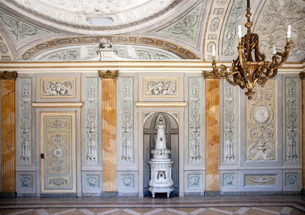 Caldaia storica in sala del Levati - Villa Litta Lainate