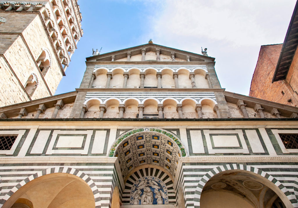 Cattedrale di San Zeno - Decori della facciata