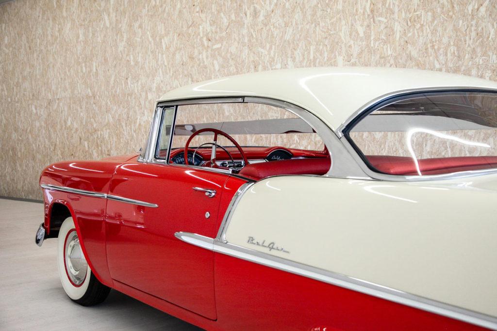 Chevrolet Bel Air bicolore hard-top nelle opere di arte contemporanea