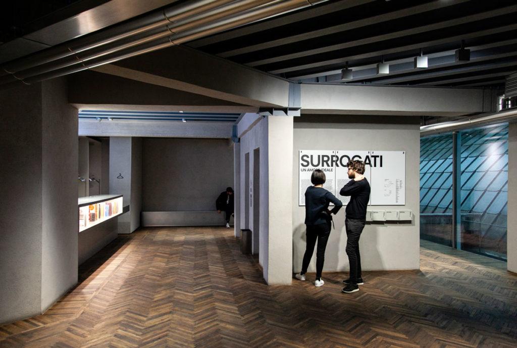Desk di ingresso alla Galleria Osservatorio Fondazione Prada - Milano