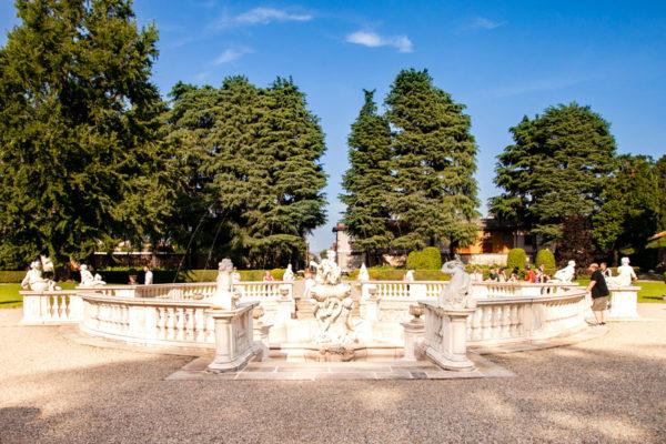Fontana Galatea nel parco della Villa