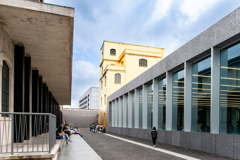 Haunted House e Podium di Fondazione Prada a Milano