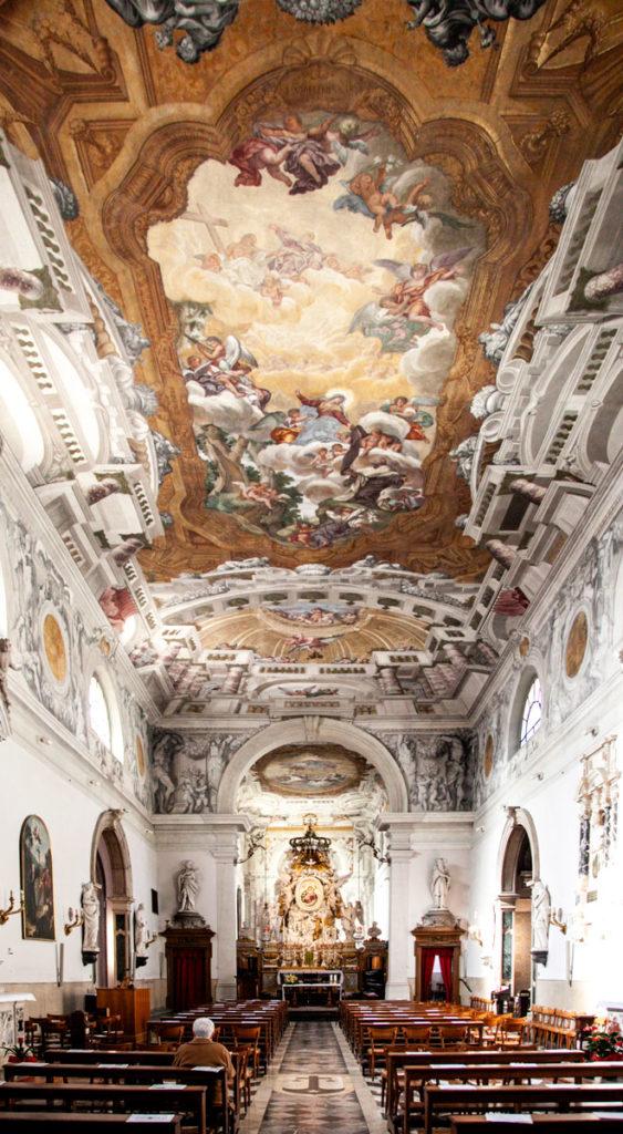 Interni Affrescati della Chiesa della Beata Vergine del Carmine di Udine