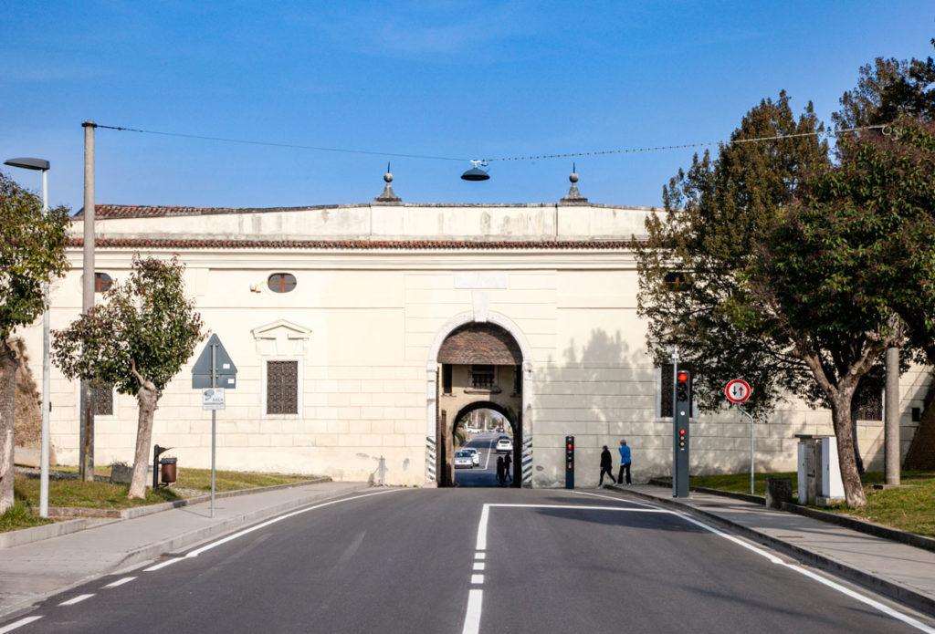 Interno di Porta Udine