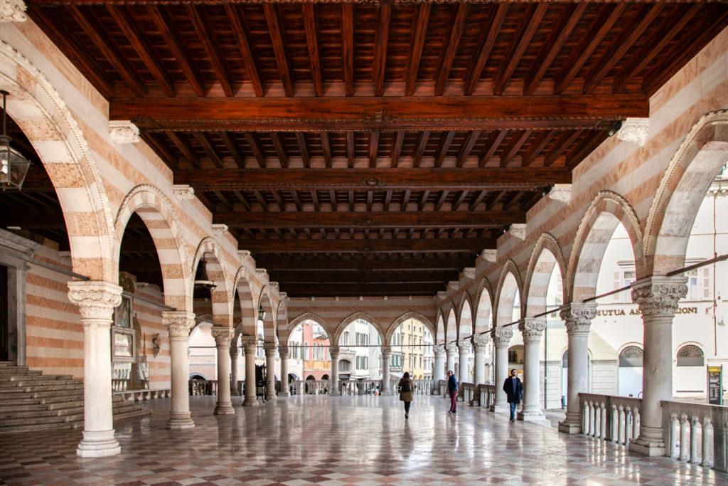 Loggia del Lionello - Palazzo comunale di Udine