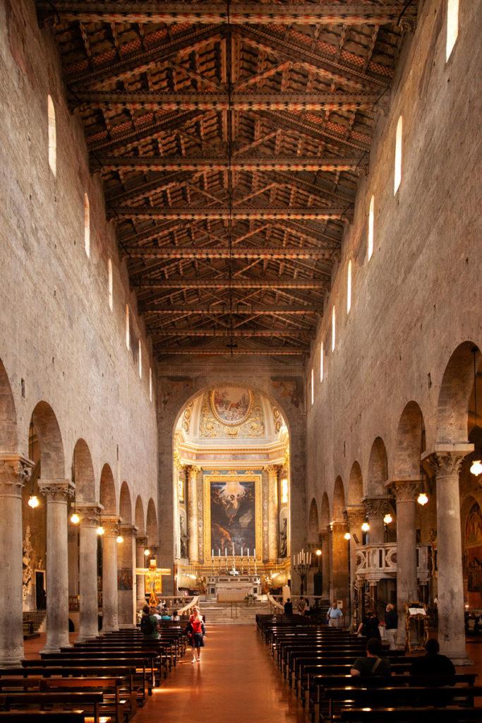 Navata centrale Duomo di Pistoia - Soffitto in legno