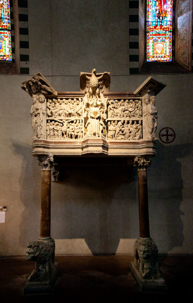 Pergamo di Fra Guglielmo da Pisa del XIII secolo - Chiesa di San Giovanni Fuorcivitas