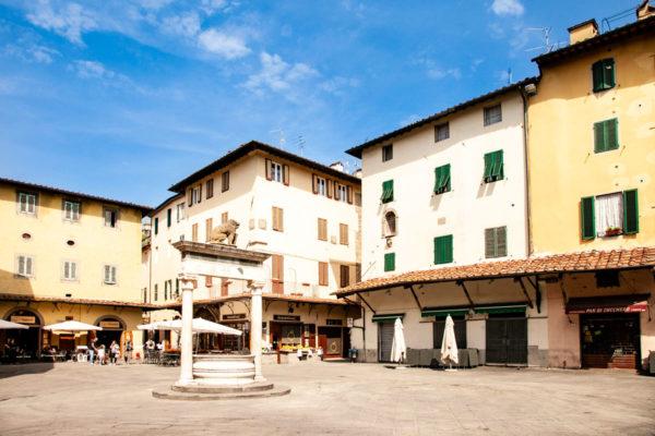 Piazza della Sala di Pistoia - Pozzo del Leoncino