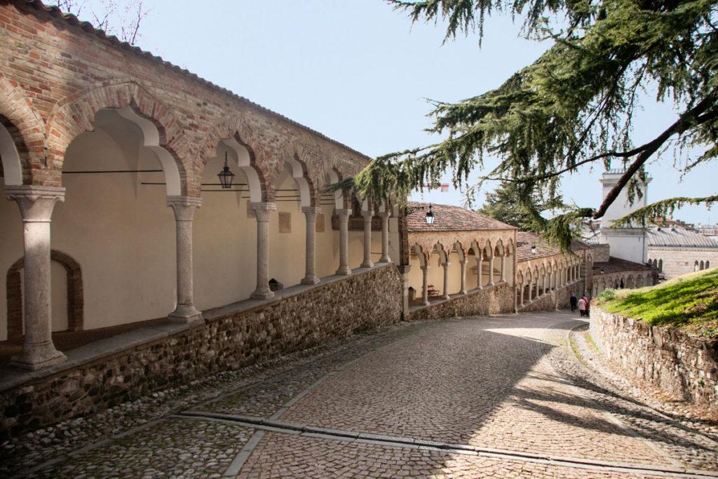 Porticato del Lippomano - Salita al castello di Udine