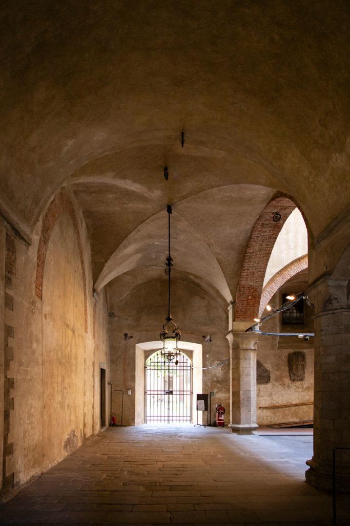 Porticato interno del palazzo del Giano o Palazzo degli Anziani - Pistoia