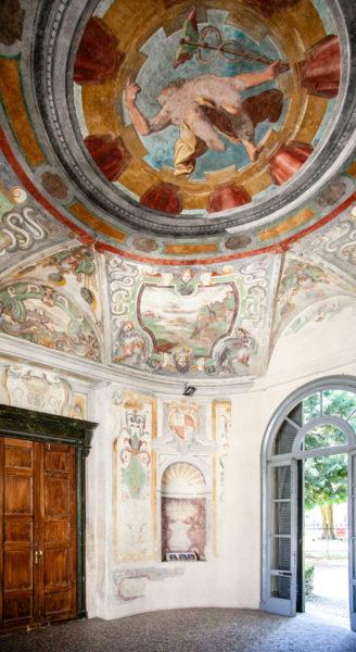 Rotonda del Mercurio - Crocevia del palazzo Cinquecentesco di Villa Litta Lainate