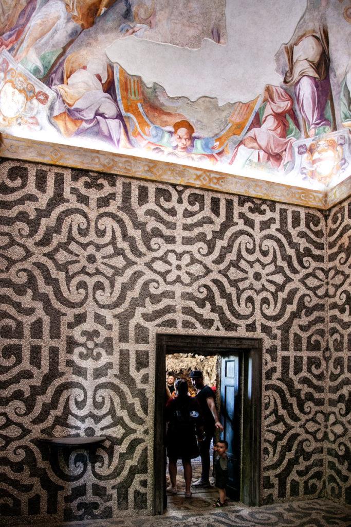 Sala Interna del Ninfeo con Soffitto Affrescato