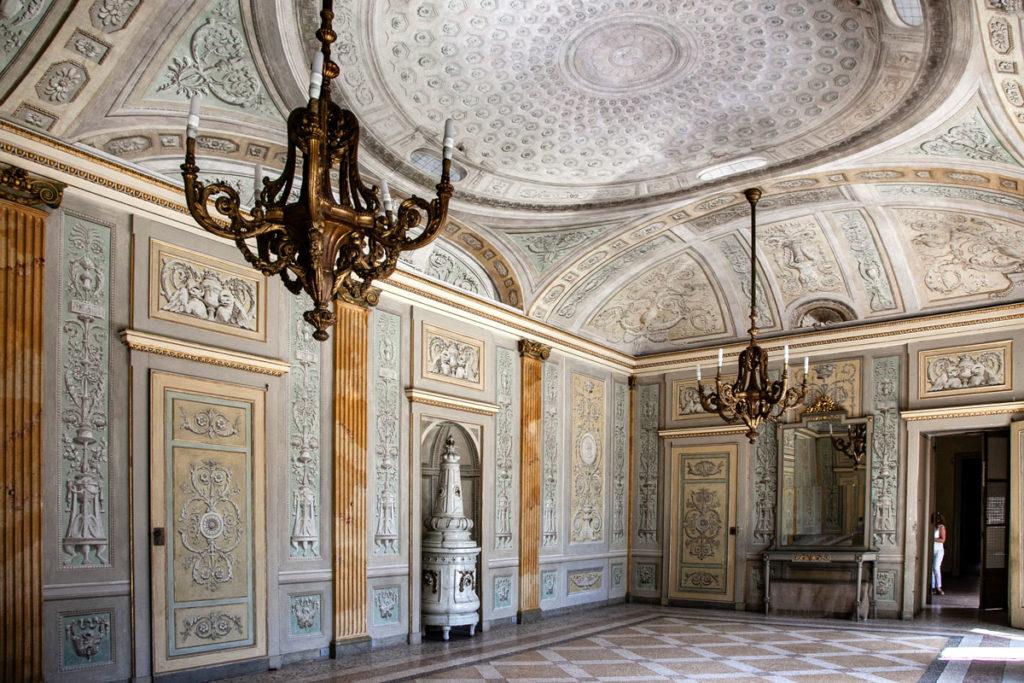 Sala da Pranzo di Villa Litta Lainate con Caldaia storica