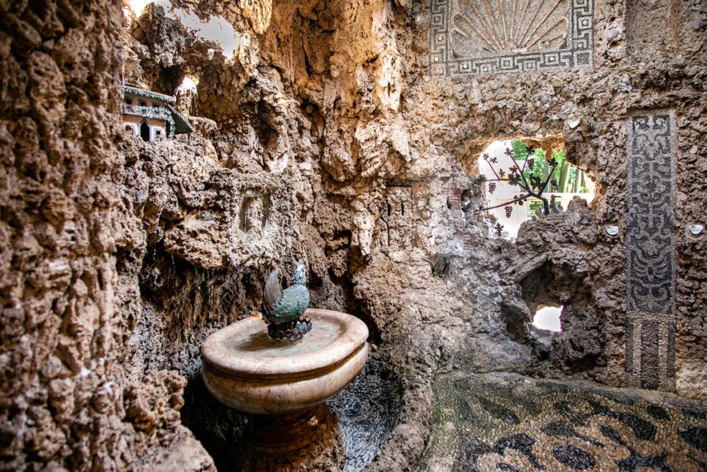 Sala dell'Uovo con Automa della Gallina - Ninfeo