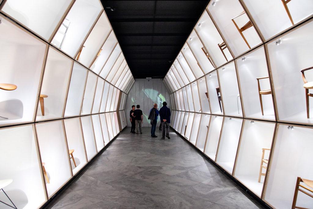 20° Secolo - Sala con Esposizione di Sedie al Design Museum Danmarka