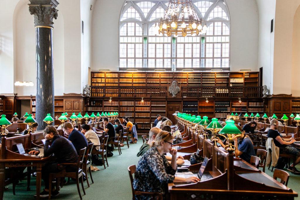 Aula studio storica dentro la biblioteca