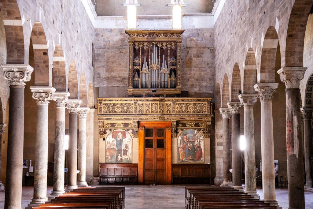Basilica di San Frediano - Colonnato e Organo