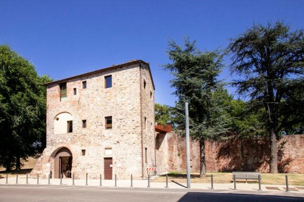 Casa del Boia o Casa del Bastardo sulle Mura di Lucca