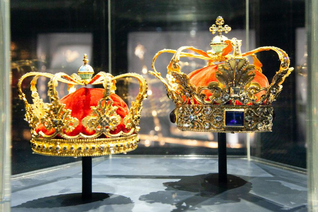 Corona della regina e corona dei monarchi assoluti - Sala del Tesoro Rosenborg Slot