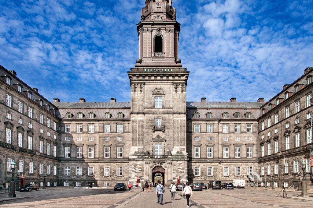 Cortile interno di Christiansborg Slot - Residenza Reale di Copenaghen