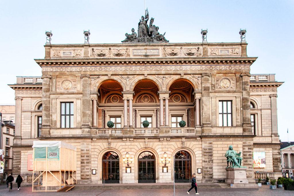Facciata Teatro Reale Danese in Piazza Reale a Copenaghen