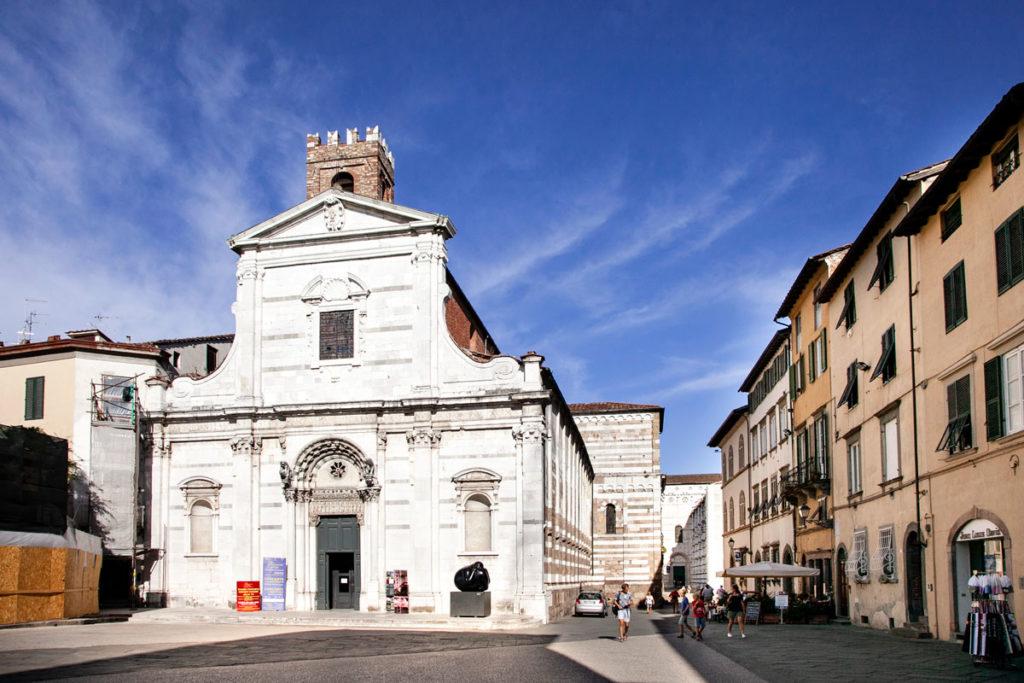 Facciata della Chiesa dei Santi Giovanni e Reperata - Lucca