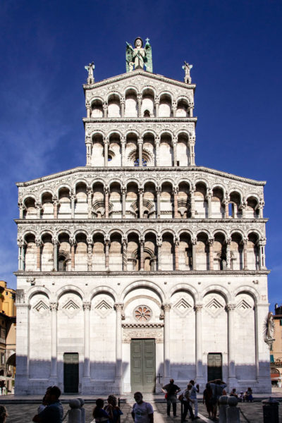 Facciata della chiesa di San Michele in Foro a Lucca