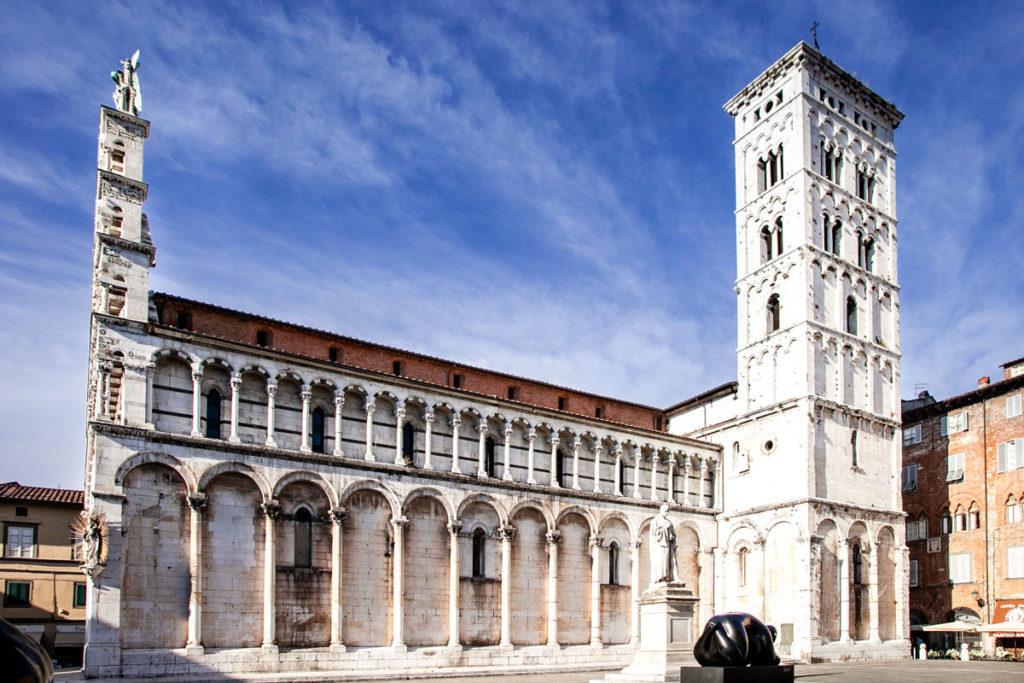 Fianco e Campanile della Chiesa di San Michele in Foro di Lucca