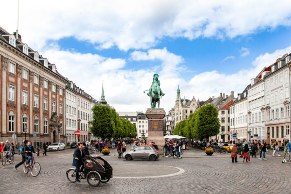 Hojbro Plads e Statua Equestre del Vescovo Absalon