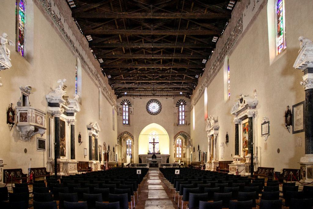 Interni della Chiesa di San Francesco di Lucca
