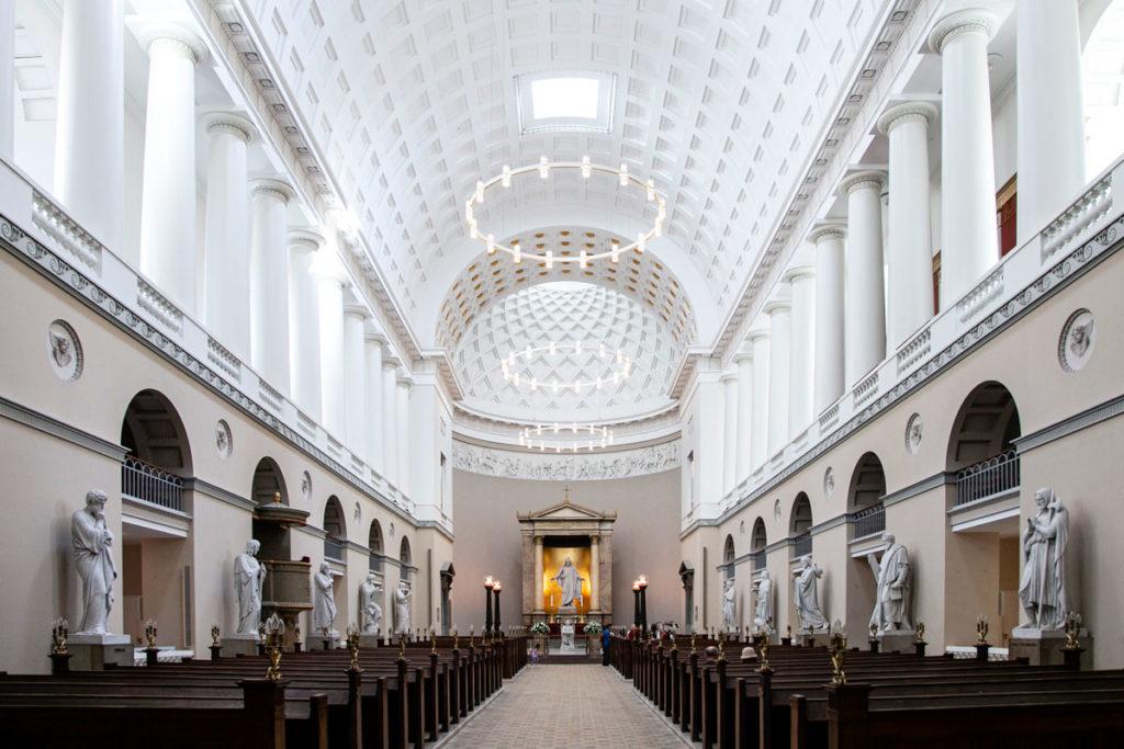 Interni e Statue degli apostoli della Vor Frue Kirke – la Cattedrale di Nostra Signora