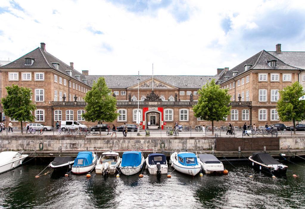 Nationalmuseet - Museo Nazionale Danese di Copenaghen - Ingresso sul canale