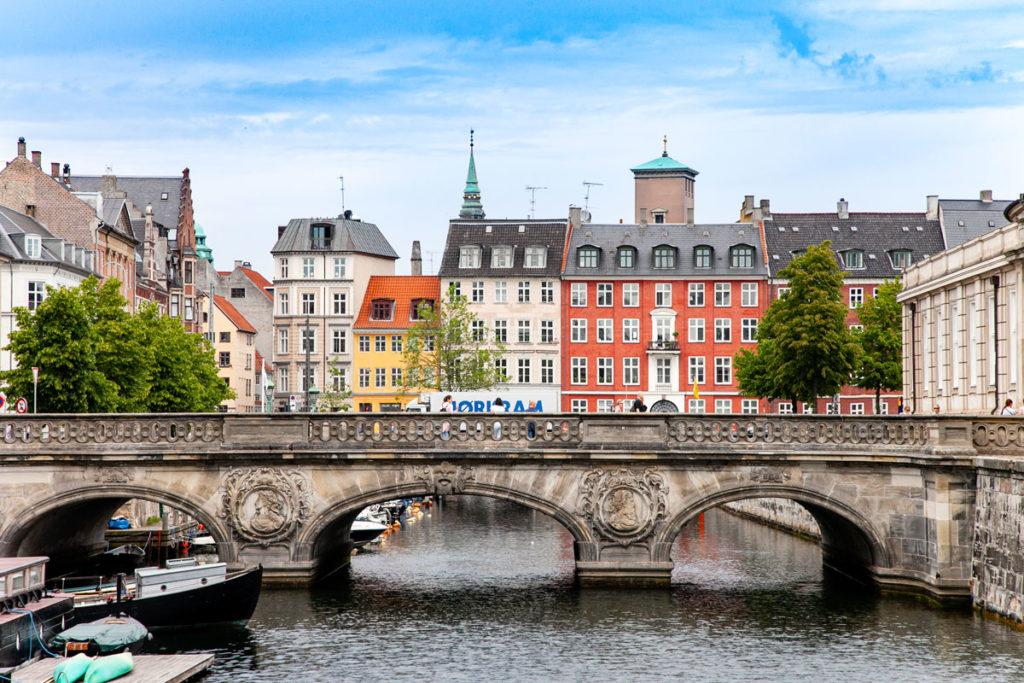 Ponte di ingresso sul canale di Christiansborg Slot