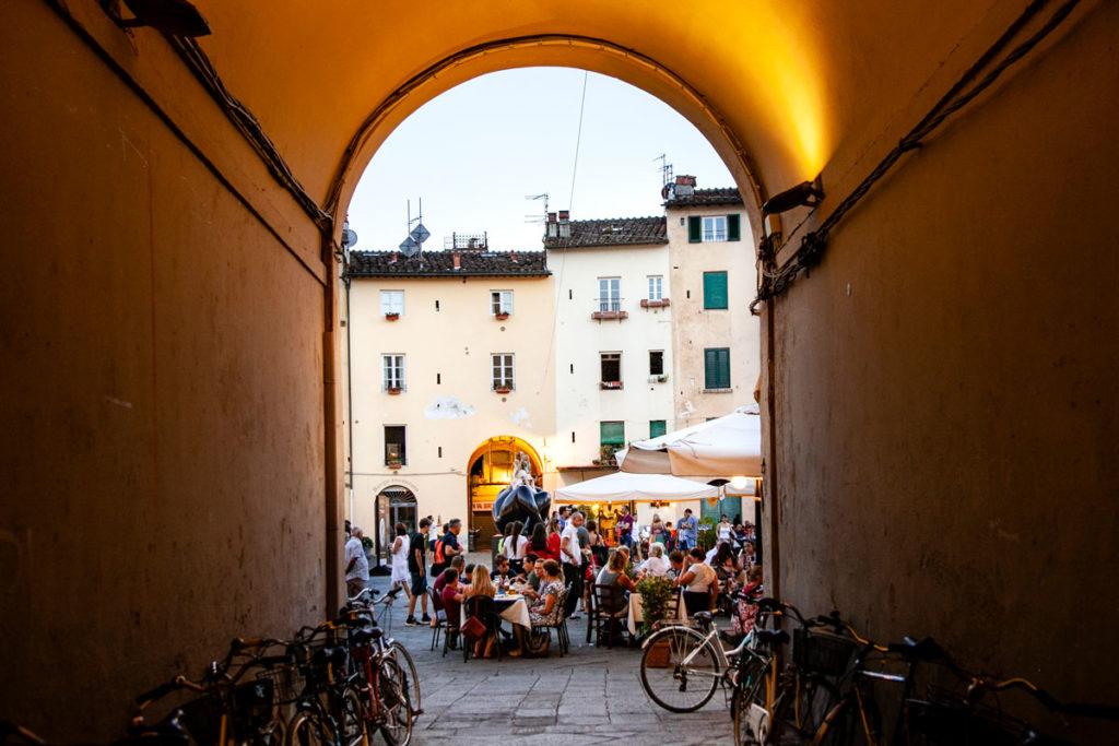 Porta di Ingresso a piazza Anfiteatro di Lucca